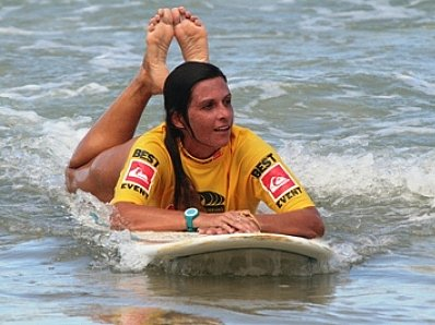 SURF REMINDER: Meet the Phuket Surfers awing spectators at Patong | The Thaiger