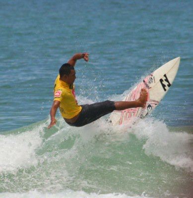Rondi wins Men's Open Final at Phuket's Quiksilver 2011 Surf Competition | The Thaiger