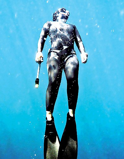 Phuket Sports: Diving on a single breath | The Thaiger