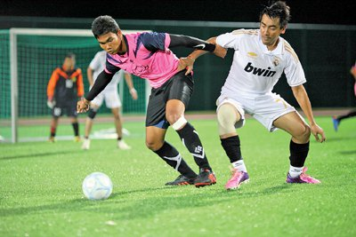 Phuket Sports: Portrait hit six | The Thaiger