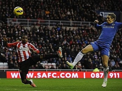 World Football Roundup: Torres ignites Chelsea; bad record for Queens Park | Thaiger
