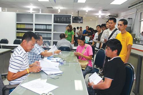 Phuket Business: New car owners due B1.2bn | The Thaiger