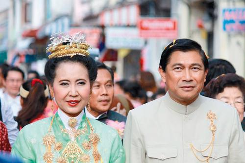 Traditions upheld at Baba Yaya wedding – Phuket Lifestyle [VIDEO]   Thaiger