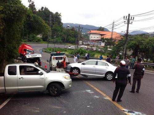 Runaway Phuket Thai Post truck slams into cars on Patong Hill [Video] | Thaiger