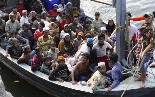 Phuket News: Rohingya risk births at sea to flee Myanmar | The Thaiger