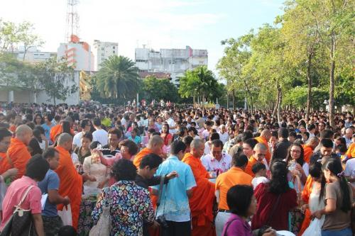 Phuket ushers in the New Year 2013 | Thaiger
