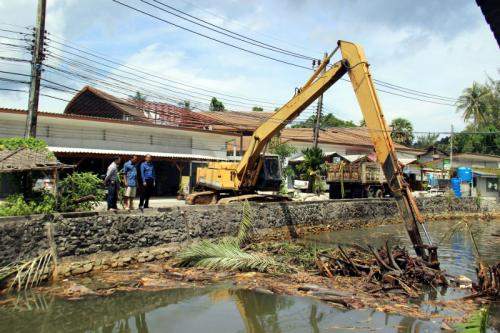 Dredging clears path for cleaner Phuket Bang Tao Canal water | The Thaiger
