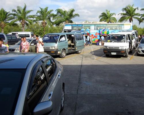 Phuket Poll: Should parking lots be mandatory? | The Thaiger