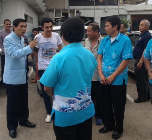 Phuket Governor faces taxi doubleheader at Phuket International airport | The Thaiger