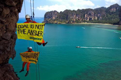 Greenpeace goes over the edge to protest Krabi coal plant | The Thaiger
