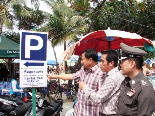 Phuket Poll: Thais, expats call for parking spaces to be mandatory | Thaiger