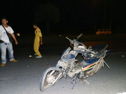 Phuket Video Report: Lucky sidecar driver saved by call of nature | The Thaiger