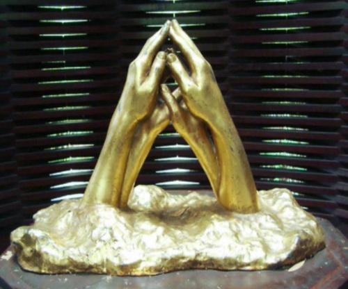 Bourgeois tsunami sculptures to return to beach | The Thaiger