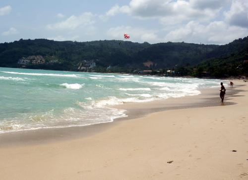 Unidentified male foreigner found dead on Phuket beach | The Thaiger