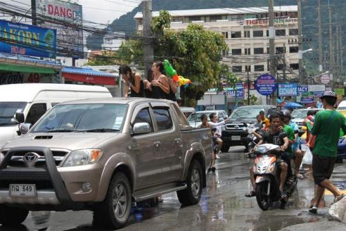 Truck water fights banned for Thai New Year | The Thaiger