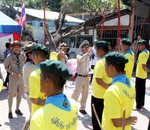 Phuket prisoners don berets for scout training | Thaiger