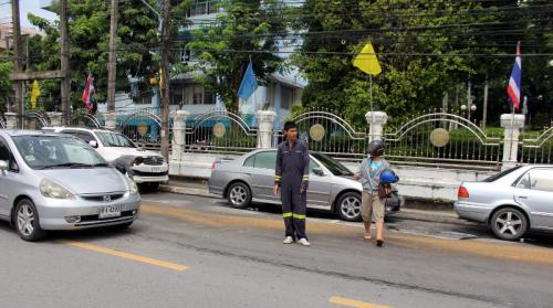 Gas tanker leaks 2.5km trail of fuel through Phuket Town | The Thaiger