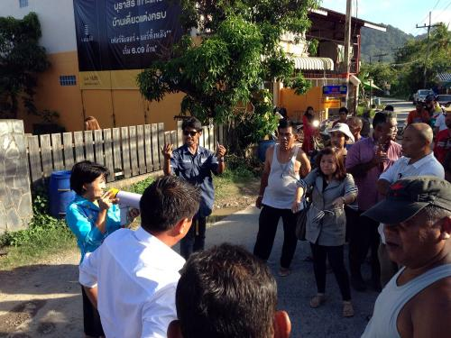 Enraged villagers protest over-sized truck nuisance, get results | The Thaiger