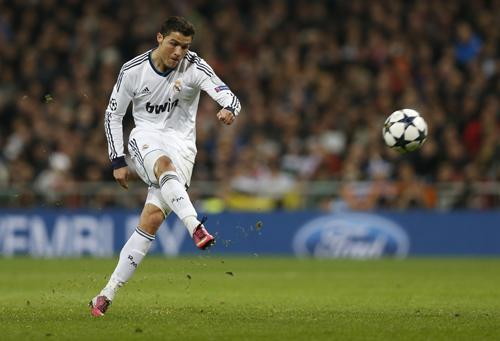 Phuket Gazette World Sports: Ronaldo rescues draw for Real against gritty United | Thaiger