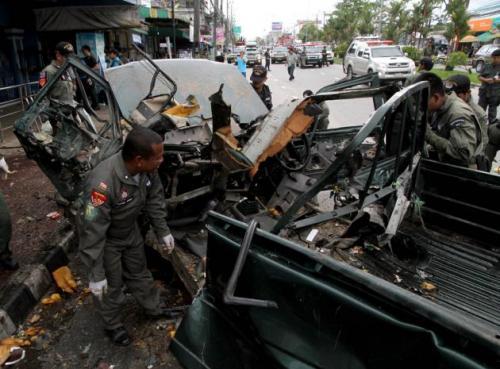 Phuket Gazette Thailand News: Bomb blasts wound Southern peace talks; Bangkok election; 'Wannabe Myanmar' line up | The Thaiger
