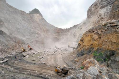 Phuket Gazette Thailand News: 2 workers missing in quarry collapse; Luxury car crackdown; False bomb threat alerts | The Thaiger