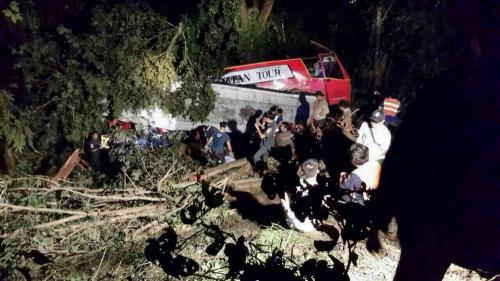 Phuket Gazette Thailand News: 21 dead as Thai tour bus plunges into ravine; Govt to clarify amnesty; Isarn floods claim 30 lives | The Thaiger