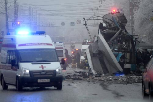 Phuket Gazette World News: Second bomb blast in Russia; Volcano in El Salvador; Aussie cyclone heads inland; Four journalists held in Egypt; China says Japan PM 'shut door' | The Thaiger