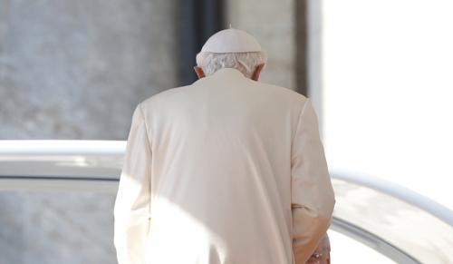 Phuket Gazette World News: Pope leaves quietly as cardinals plan future   The Thaiger