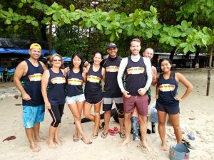 Intrepid beach cleaners head out into the storm | News by Thaiger