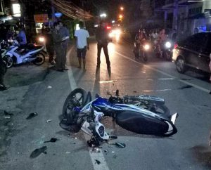 Sai Yuan crash - a flipped car and one motorcyclist injured   News by Thaiger