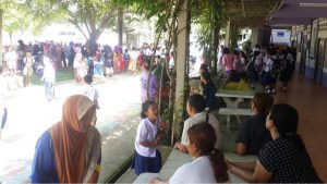 Teachers and parents protesting at a Krabi school | News by Thaiger