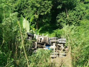 Concrete truck falls 30 metres off cliff | News by Thaiger