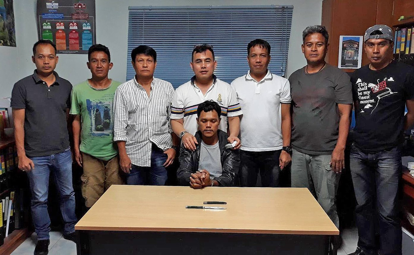 Stab-and-run assailant arrested at the Thachatchai check point | The Thaiger