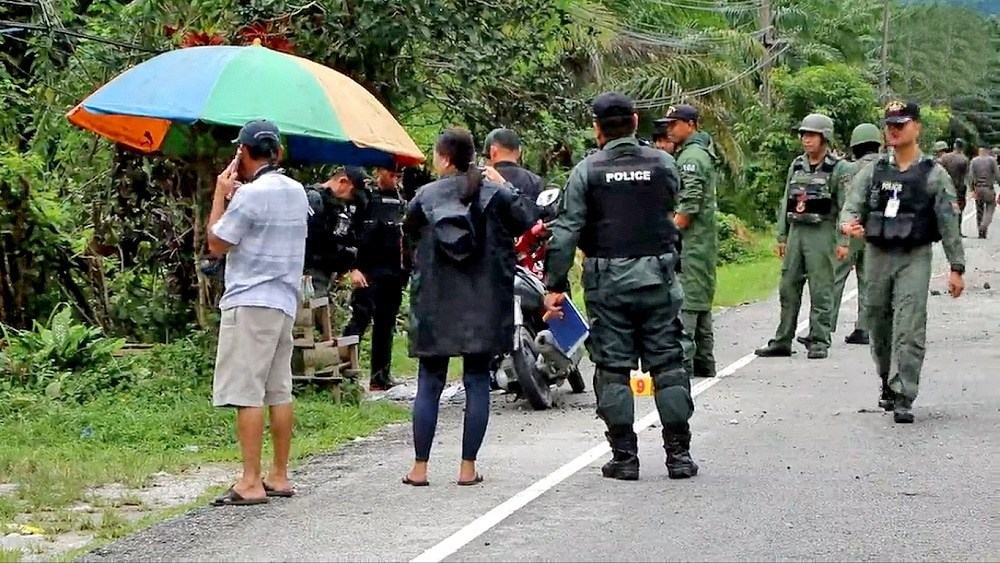 Two civilians injured in Narathiwat bomb attack | The Thaiger