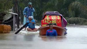 Narathiwat floods - more rain and winds predicted for Phuket Thursday | News by Thaiger