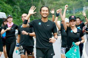Prayut praises Toon for Charity Run   News by Thaiger