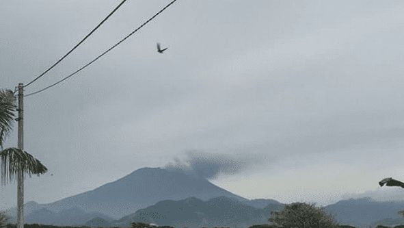 Bali evacuates 100,000 and tourists stranded as island goes to red alert over volcano | The Thaiger