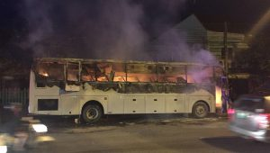 26 Chinese tourists escape bus fire without injury | News by Thaiger