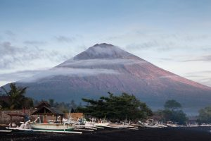 Bali evacuates 100,000 and tourists stranded as island goes to red alert over volcano | News by Thaiger