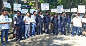 Local tour guides protest over illegal Chinese tour guides | News by Thaiger