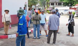 Kamala vendors complain about illegal foreign vendors | News by Thaiger