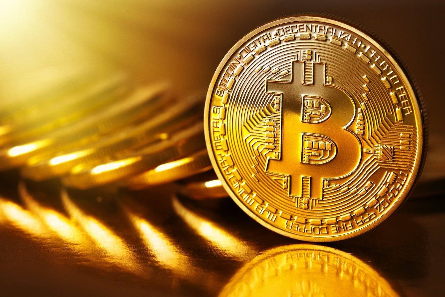 Bitcoin cracked $1,000 on the first day of 2017. Then… | The Thaiger