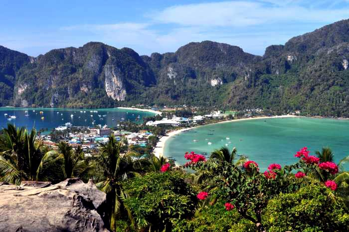 Russian woman attacked on Koh Phi Phi | The Thaiger