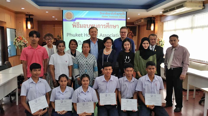 Phuket Hotels Association award their first six scholarships | The Thaiger