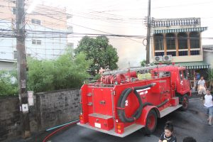 Four houses destroyed, one badly damaged, in Phuket Town fire | News by Thaiger