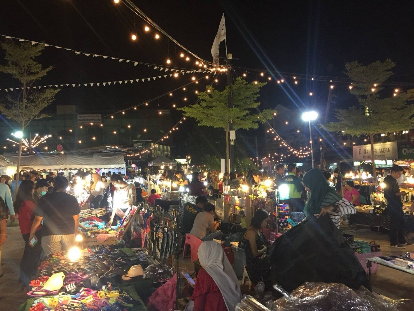 Chillva Market bans smoking | The Thaiger