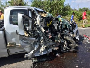 Pick-up and van crash in Krabi kills the driver and injures 10   News by Thaiger
