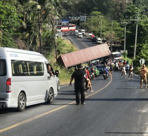 Truck crash-reverses into ditch in Karon | News by Thaiger