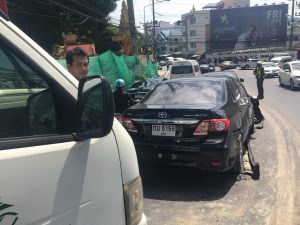 Brake failure causes a bus to crash into 6 cars on Patong Hill | News by Thaiger