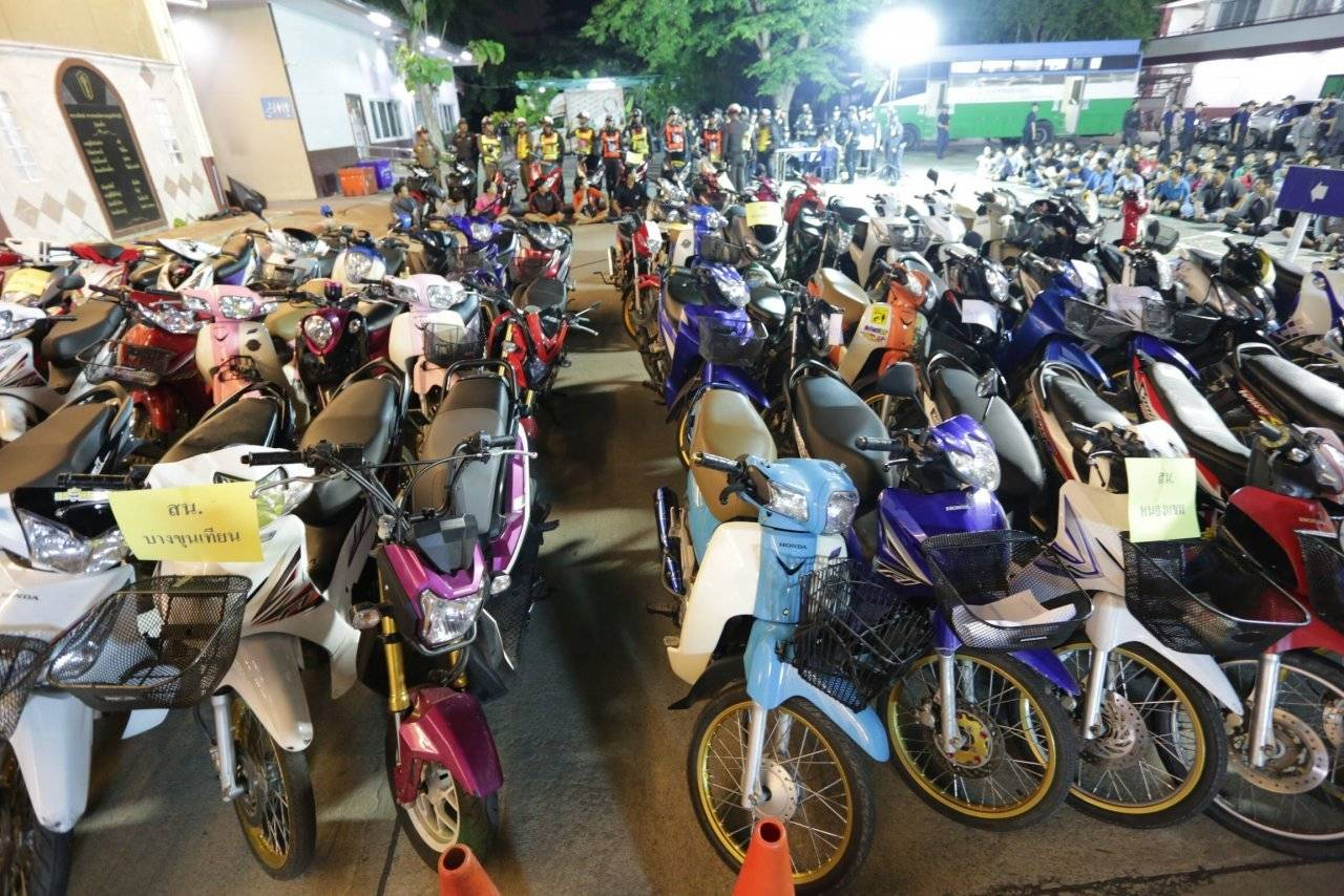 90 bikes and 90 motorcyclists bailed up in Bangkok | The Thaiger